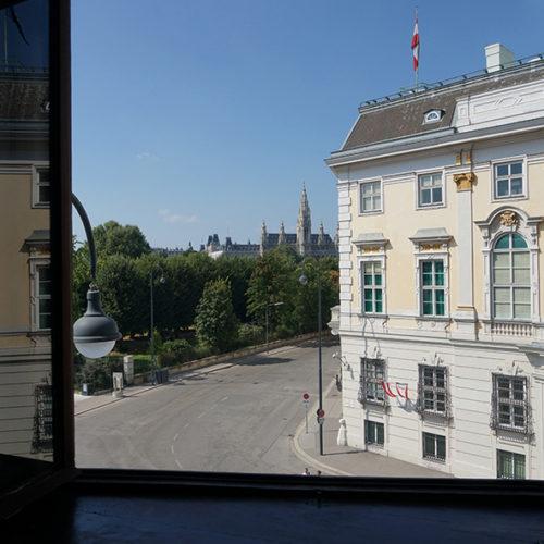 Blick von Hofburgzum Rathaus